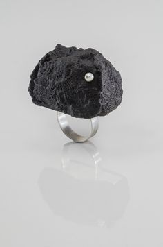 Artist: Lava Rock Ring, Ring in sterling silver, concrete, dye, and pearl. 1 x 1 x Approx size Jewelry Art, Fine Jewelry, Jewelry Rings, Rock Rings, Rose Gold Morganite Ring, Unique Roses, Gold Engagement Rings, Gold Flowers, Lava