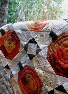 """I love, love, love this pattern. """"Laugh yourself into Stitches*: Susan's Pumpkin Patch Halloween Sewing, Halloween Quilts, Fall Halloween, Quilting Projects, Quilting Designs, Sewing Projects, Patchwork Patterns, Quilt Patterns, Fall Quilts"""