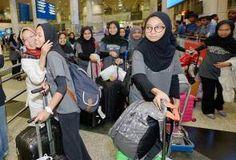 Tiga pelajar TKC harumkan nama Malaysia pada pertandingan Asian English Olympics