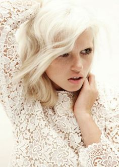 Pearl white lace top and platinum blonde hair Beauty And Fashion, Look Fashion, Dress Fashion, Fashion Models, Spring Fashion, High Fashion, White Blonde, White Hair, Pale Blonde