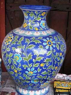 India, Jaipur : Blue Pottery Ceramic Pots, Porcelain Ceramics, China Painting, Dot Painting, Blue Pottery, Pottery Art, Jaipur India, Ceramic Animals, Indian Art