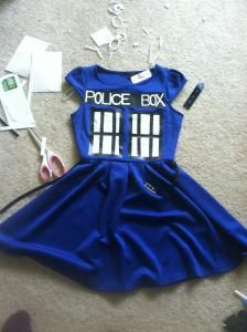 DIY TARDIS Halloween costume DIY Halloween DIY Costumes