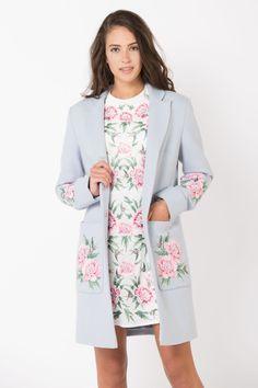 Пальто с вышивкой Пионы