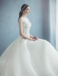Elegant Dresses For Women, One Shoulder Wedding Dress, Fashion Dresses, Princess, Wedding Dresses, Outfits, Kawaii Clothes, Draw, Fashion Show Dresses