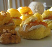 Recette - Petits choux farcis à la crème de roquefort, noix et saumon fumé - Proposée par 750 grammes