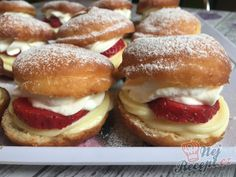 Czech Recipes, Ethnic Recipes, Dessert, Bagel, Hamburger, Nom Nom, Sweet Tooth, Food And Drink, Sweets