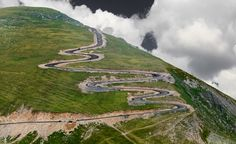 Transalpina, Romania (by Alin Stancioiu) High Road, Mountain Range, Eastern Europe, Planet Earth, Road Trip, Beautiful Places, Places To Visit, Country Roads, Explore