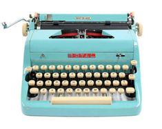 1957 Turquoise Royal Quiet De Luxe Typewriter / Original Case and Vintage Metal Ribbon Spools / Royal Typewriter