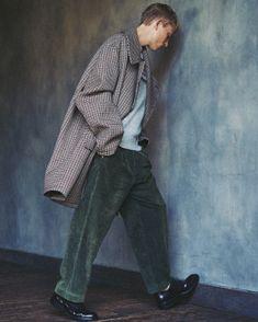 men_look04_01 Look Fashion, Urban Fashion, Mens Fashion, Fashion Outfits, Fashion Design, Style Preppy, My Style, Raining Men, Look Cool