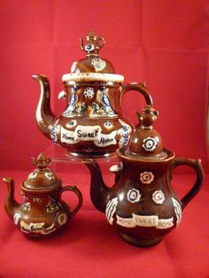 Three Graduated Barge Ware Teapots with Teapot Finials from trilliumantiques on Ruby Lane