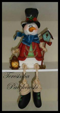 Cosas lindas Christmas Clay, Country Christmas, Christmas Snowman, Christmas Holidays, Christmas Decorations, Christmas Ornaments, Santa Doll, Santa And Reindeer, Snowman Crafts