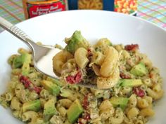 Tuna Pesto Pasta Salad with Avocado and Sundried Tomatoes - Damn Delicious im making this tonight!