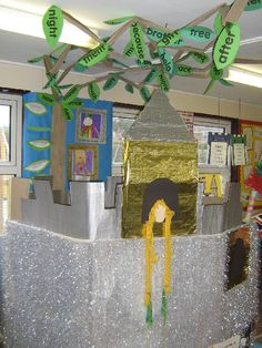 Giant's Castle role-play area classroom display photo - Photo gallery - SparkleBox
