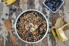 Blueberry Banana Crunch Smoothie Bowl // nutritionstripped.com