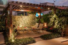 Navegue por fotos de Terraços : Projeto. Veja fotos com as melhores ideias e inspirações para criar uma casa perfeita.