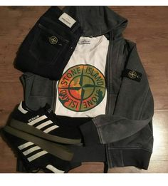 Football Casual Clothing, Football Casuals, Casual Wear, Casual Outfits, Fashion Outfits, Différents Styles, Casual Styles, Supreme Shirt, Moda Casual