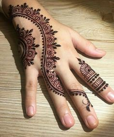 50 Most beautiful Engagement Mehndi Design (Engagement Henna Design) that you can apply on your Beautiful Hands and Body in daily life. Henna Tattoo Designs Simple, Back Hand Mehndi Designs, Finger Henna Designs, Mehndi Designs 2018, Mehndi Designs For Girls, Mehndi Designs For Beginners, Modern Mehndi Designs, Pretty Henna Designs, Mehndi Design Pictures