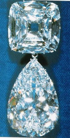 Queen Mary turned two of the Cullinan stones into a brooch in 1910. The total weight of this piece is around 158 carats