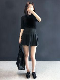 Korean Fashion – How to Dress up Korean Style – Designer Fashion Tips Korean Fashion Trends, Korean Street Fashion, Korea Fashion, Asian Fashion, Daily Fashion, Girl Fashion, Fashion Looks, Fashion Outfits, Womens Fashion