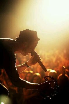 Ryan Tedder I love this man Music X, Sound Of Music, New Music, Pop Rock Bands, Cool Bands, Walk The Moon, Ryan Tedder, All Falls Down, Eddie Fisher