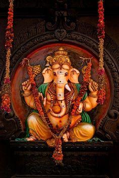 Shri Ganesh Images, Ganesh Chaturthi Images, Ganesha Pictures, Lord Krishna Images, Lord Ganesha Paintings, Lord Shiva Painting, Ganesha Art, Krishna Art, Om Gam Ganapataye Namaha