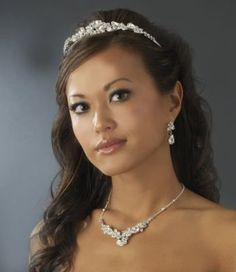 Sparkling Tiara and Jewelry for your Winter Wedding!