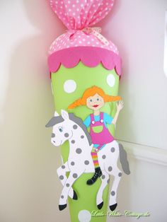 Pippi Langstrumpf Schultüte Schultüte Diy, School Enrollment, 1st Day Of School, Crafts For Kids, Christmas Ornaments, Holiday Decor, Party, Projects, Handmade