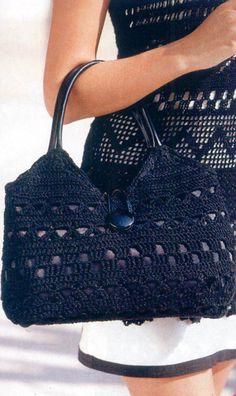 Модель 04-2 Son todas lindas las cartera a crochet, pero al ponerle en su interior peso se deforman, Cómo se evita eso ???.