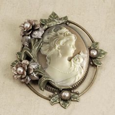 @Overstock - Turn any outfit into a classic with this quaint flower pin. This vintage-style pin is studio produced for perfect detail. It can be worn with any outfit from the casual to the formal, and it is perfect for adding character and color.http://www.overstock.com/Jewelry-Watches/Sweet-Romance-Princess-Rose-Vintage-Cameo-Pin/3171780/product.html?CID=214117 $50.99