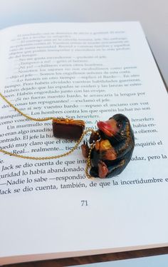 Look like Niffler accessories, Magical Creatures bookmark, fantastic Niffler, fantastic beasts Niffler bookmark, animales fantasticos Harry Potter Bookmark, Fantastic Beasts And Where, Clay Figures, Magical Creatures, Handmade Items, Handmade Gifts, Love At First Sight, Your Best Friend, The Magicians