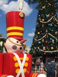 Walt Disney World Resort at Christmas - Additional dining offerings & holiday activities for Dec. 19, 2015- Jan. 2, 2016.  Click this pin for this great information from the TouringPlans blog. Get four free Disney vacation planning e-guides when you subscribe to our newsletter at http://www.buildabettermousetrip.com/disney-freebies/