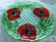 "Repina Elena. Glass dish for the holiday table, ""The red poppies"" fusing"