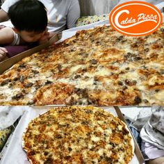 Find yourself a well deserved pizza break. You can always choose your faves Calda Pizza creations here: ➡http://www.caldapizzacdo.com/menu-list/  Celebrate with the whole family!  #CaldaPizzaCDO #everydaycalda #pizza