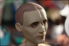 Локи: парик с зачесанными назад волосами и открытыми висками — Демократия, граничащая с анархией