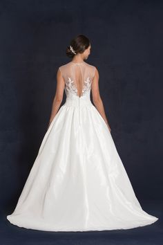 Style * GEMMA * » Wedding Dresses » 2015 Collection » by Lis Simon » Available Colours : Ivory, White (back)