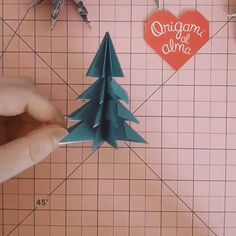 Pinheiro de Natal - Origami passo a passo - Basteleien - Handmade Christmas Decorations, Christmas Crafts For Kids, Holiday Crafts, Christmas Diy, Christmas Garlands, Christmas Snowflakes, Homemade Christmas, Christmas Cards, Paper Crafts Origami