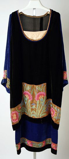 GREAT Inspiration for sewing your own attire....mix textures, colors, embroidery, etc !   Circa 1920 Callot Soeurs dress.