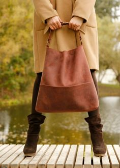 Genuine leather hobo bag with regulated handle, mat leather shoulder bag
