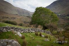 Die Highlands Irlands «  ams The Road, Highlands, Wild Atlantic Way, Coast, Mountains, Water, Outdoor, Water Water, Outdoors