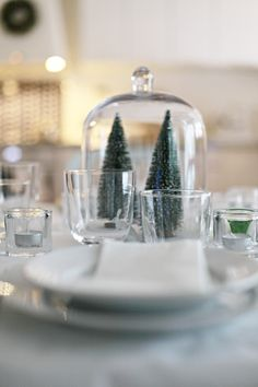 Christmas table decor by Chez Larsson