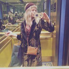 "38.9 mil Me gusta, 534 comentarios - AURORA (@auroramusic) en Instagram: ""Bought a fabulous coat that cannot keep me warm. It was a short romance...."""