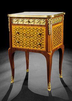 Kleine Kommode im Louis XVI- Stil Höhe: 72 cm. Breite: 48 cm. Tiefe: 37 cm. Kleine zweischübige Ko — Furniture, Lamps, Mirrors, Decoratives, lighting