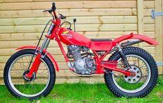 Honda Motorcycles, Cars And Motorcycles, Trail Motorcycle, Honda Cub, Trial Bike, Dirt Bikes, All Cars, Trials, Badass