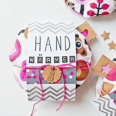 Pretty warmer for the cold season (DIY) - Sew pocket warmers DIY, hand warmers for the jacket, sewing for children - Diy Gifts For Kids, Presents For Kids, Diy Presents, Crafts For Kids, Fabric Crafts, Sewing Crafts, Diy Crafts, Pocket Warmers, Diy Cadeau Noel