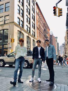Yuta, Doyoung e Johnny