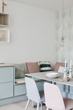 Home Interior Hallway Pastel kitchen - via Coco Lapine Design.Home Interior Hallway Pastel kitchen - via Coco Lapine Design Banquette Ikea, Coin Banquette, Kitchen Banquette, Kitchen Benches, Kitchen Nook, Banquette Seating, Kitchen Ideas, Nordic Kitchen, Kitchen Tray