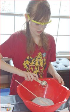 Harry Potter Potions Class Experiments - especially good activity for birthday parties