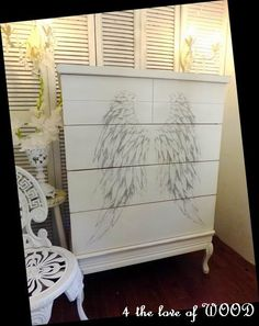 4 the love of wood: ANGEL WINGS - dresser makeover