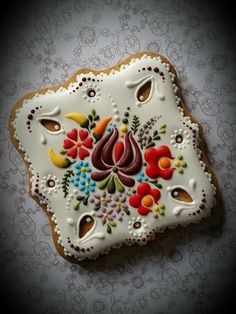 Chef's Mind-Boggling Cookies Look Like They're Made Of Embroidered Fabric