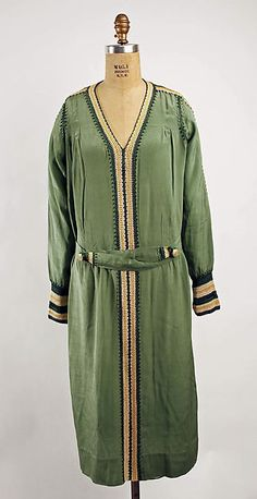 Dress | French | 1920s | rayon | Metropolitan Museum of Art | Accession Number: 1994.168.1a, b